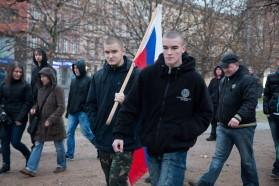 Přívrženci DSSS pochodují směrem k Denisovým sadům. Autor: Petr Vozák
