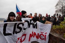 Organizátoři nesli transparent s názvem a mottem akce. Autor: Petr Vozák