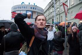 Dav se s extremisty před nádražím naposledy loučí. Autor: Petr Vozák