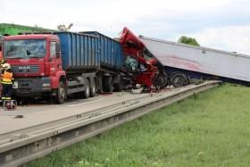 nehoda kamiony policie1