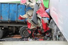 nehoda kamiony policie3